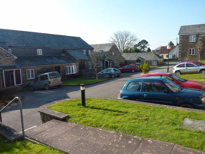 Castle Hill Court Cross Lane