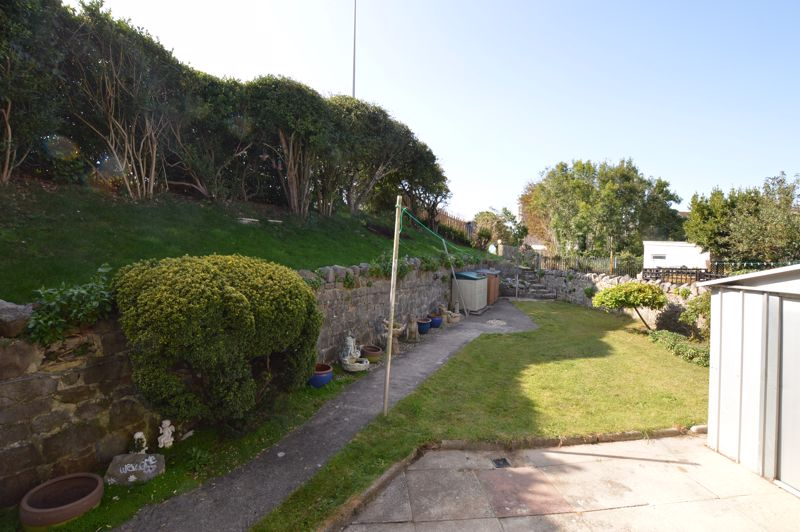 Sunnyside Road North