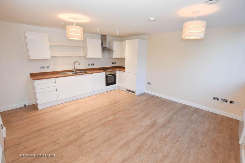 Trident Apartments, Ashton Lane