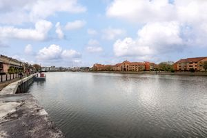 Pooles Wharf Court