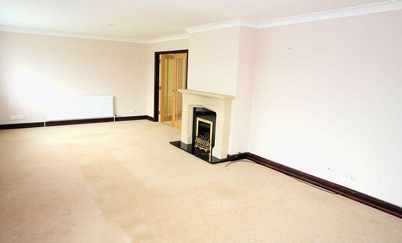 25' living room