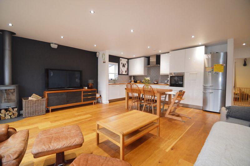 Lounge / Diner / Kitchen