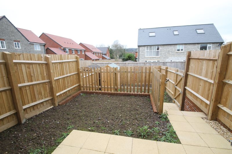 Garden on 2 levels with shed