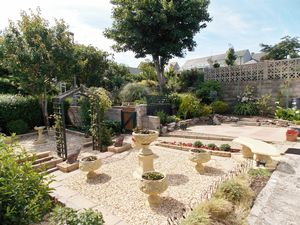 Underhedge Gardens