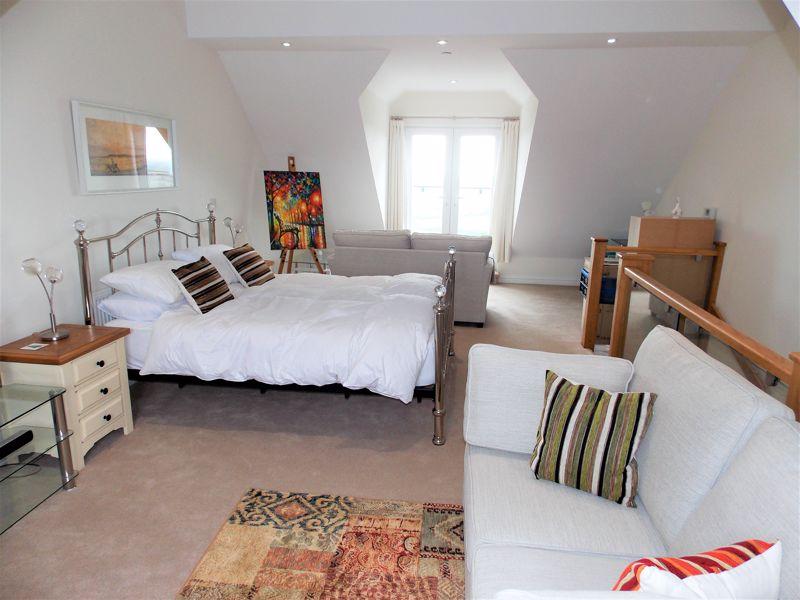 Lounge (2nd Floor)