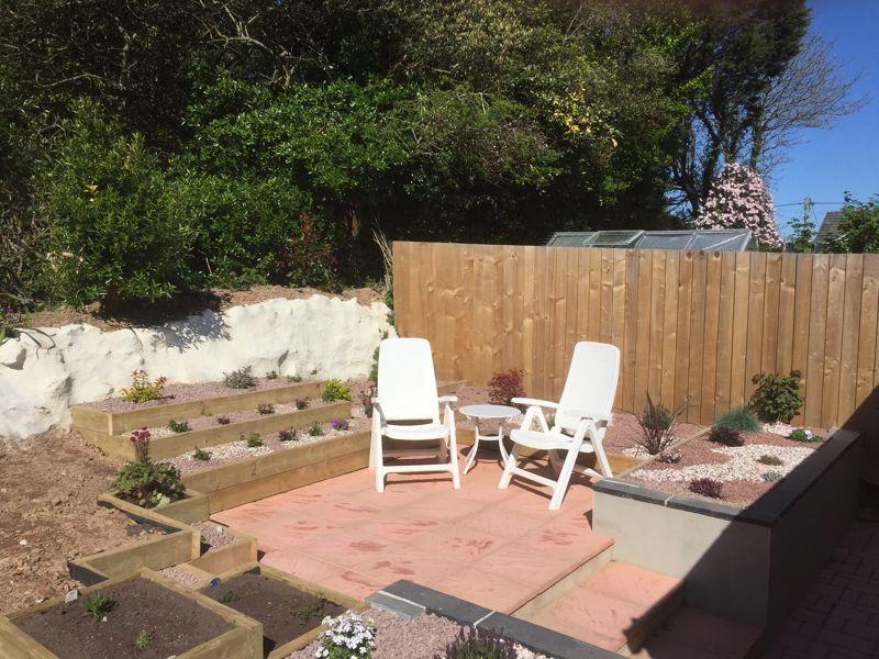 Private Sunny Gardens