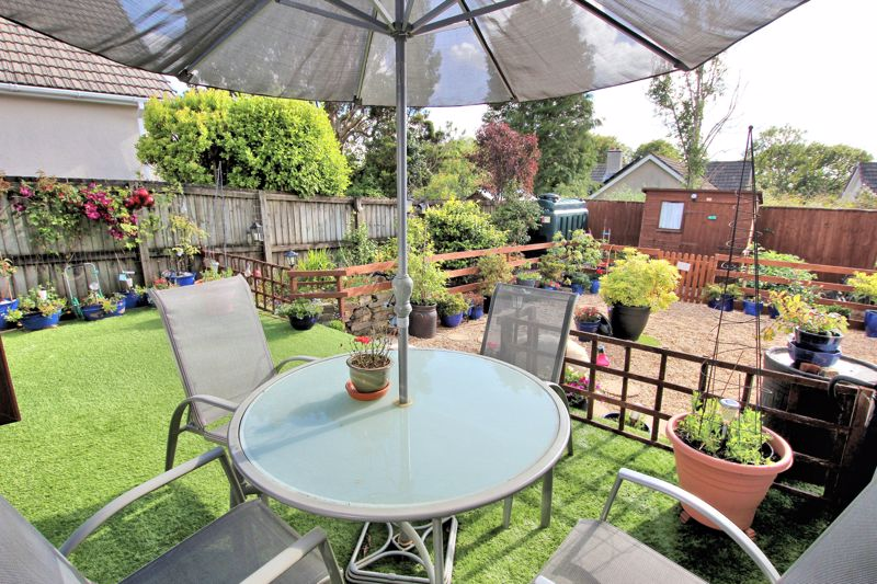Manor Park Yelverton