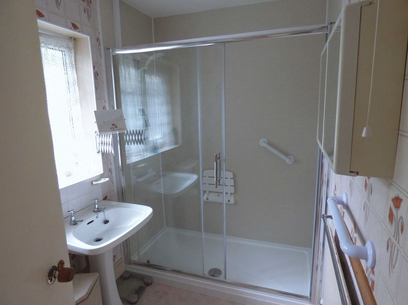 Shower Room (Potential En-suite)