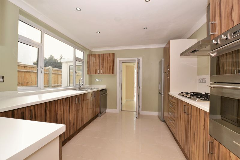 Amberley Grove Addiscombe