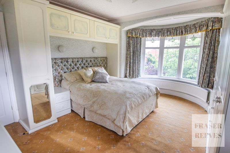Bay fronted bed 2