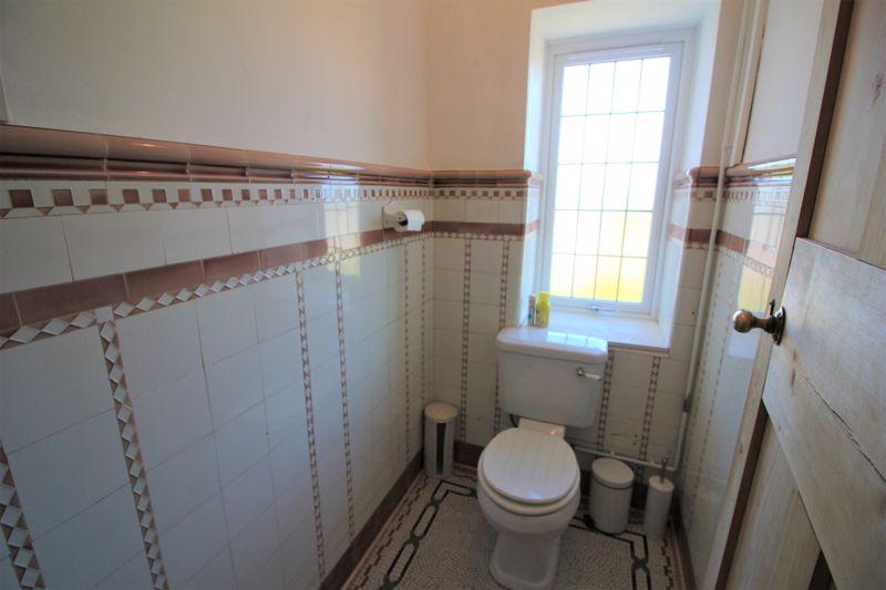 F/F Toilet