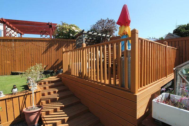rear garden/decking