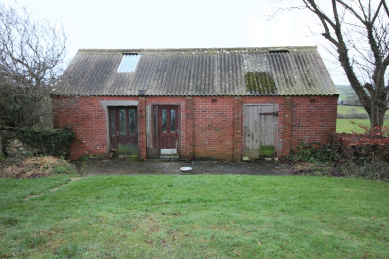 The duck shed/Stables