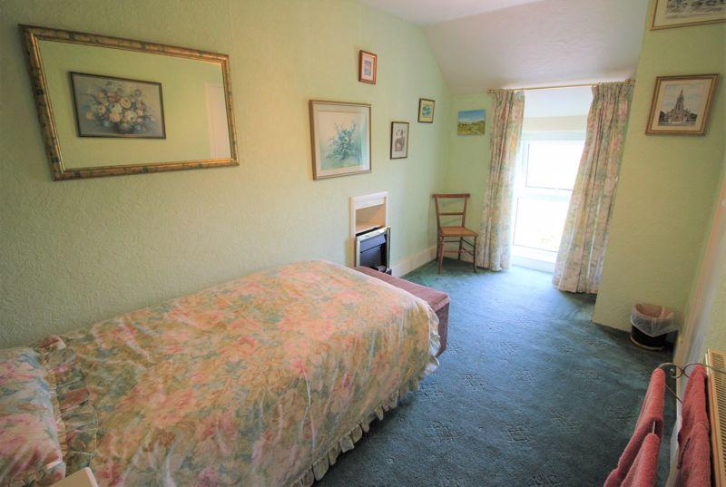 f/f front bedroom 3