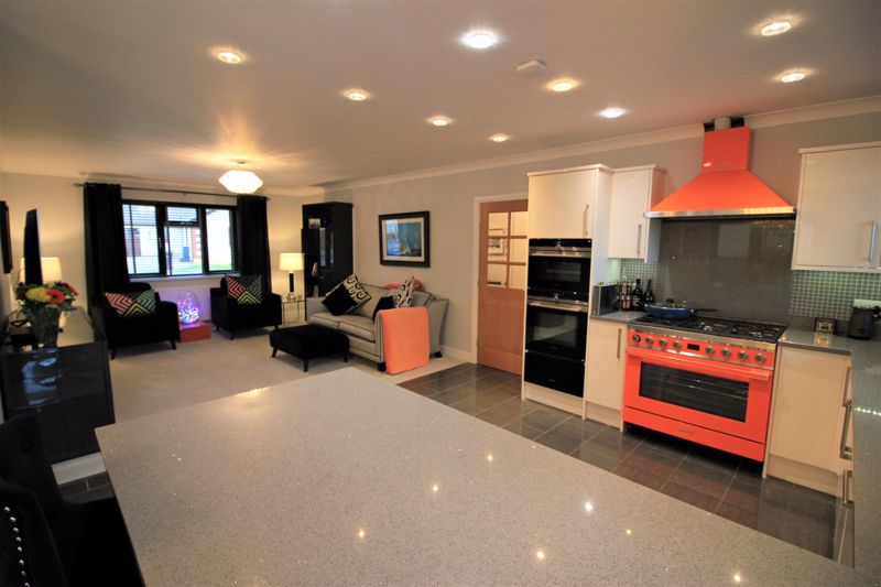Open plan lounge kitchen din room