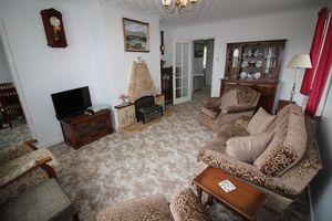 16 Penysarn Fawr Estate