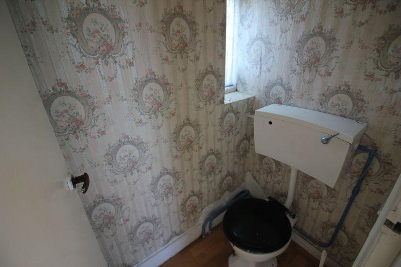 ff toilet