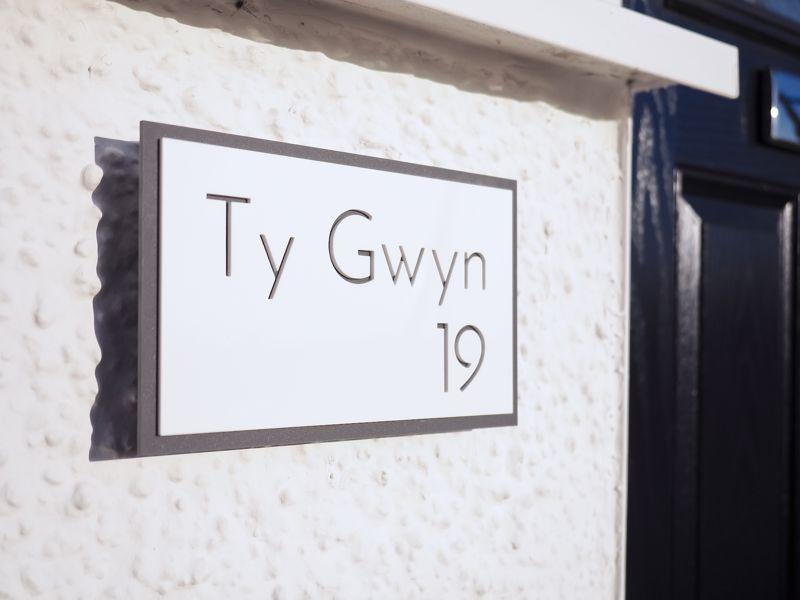 Ty Gwyn