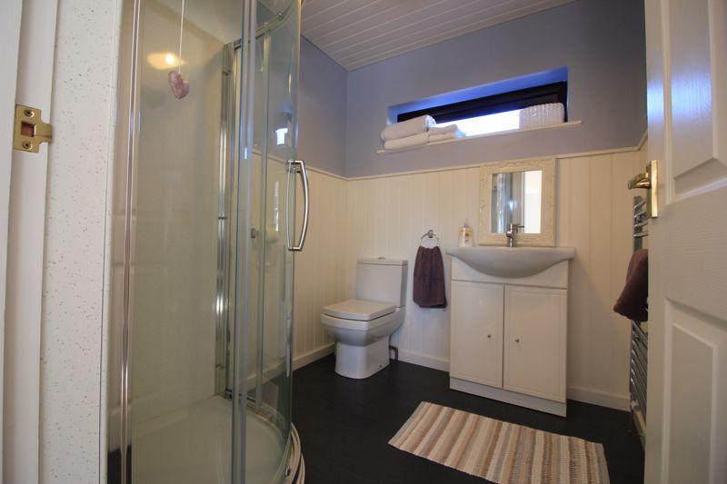 en suite for annexe/airbnb