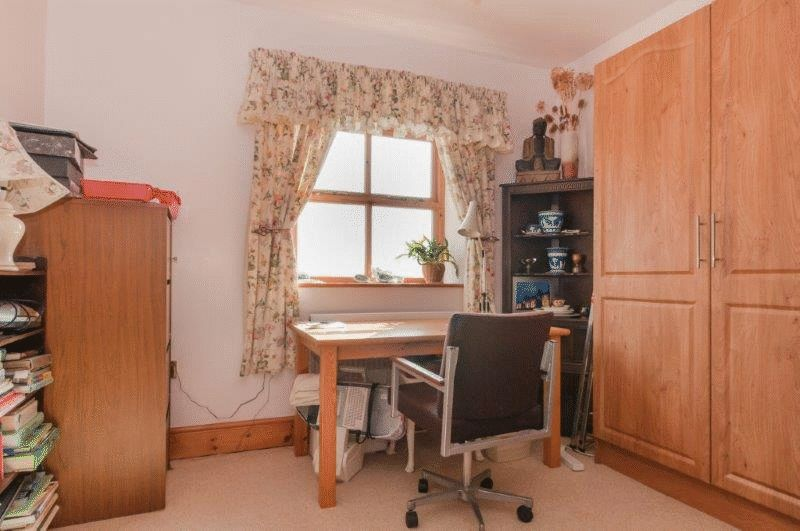 Bedroom 2 or office
