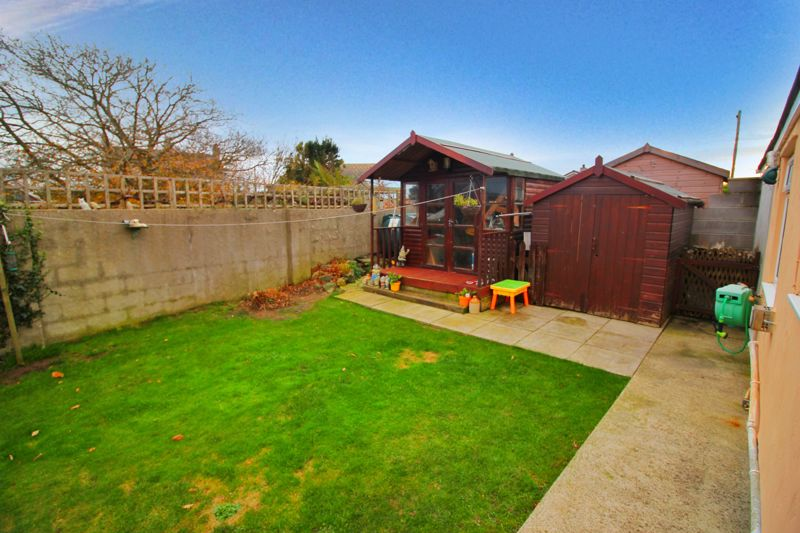 Rear Garden/Summer House/Shed