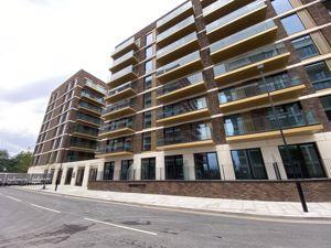 6 Clipper Street Royal Wharf