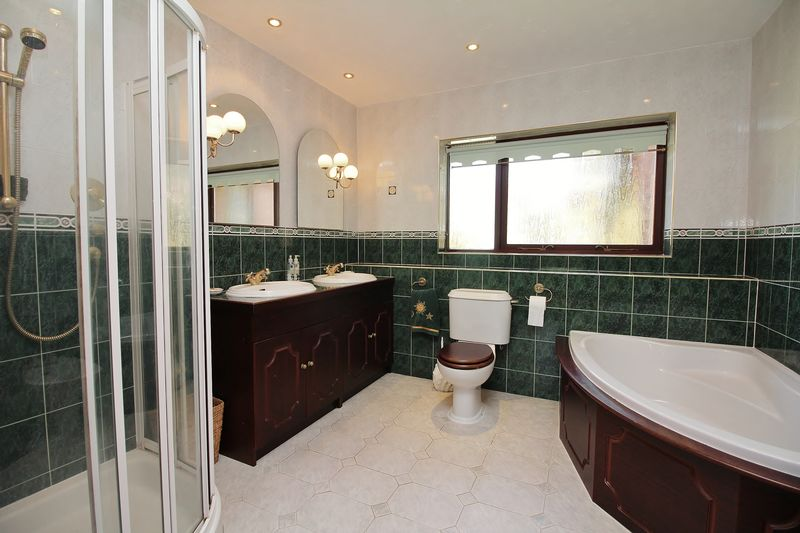 Ground Floor Family Bathroom