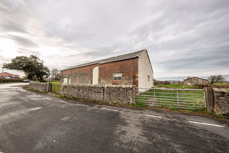 Barn with planning permission from road