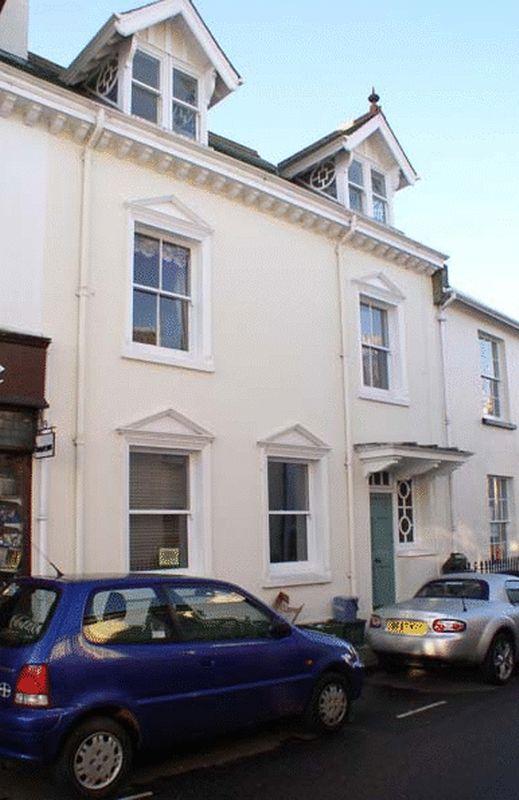 2 Mill Street
