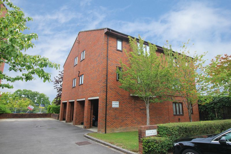 Osbourne Court Broadfield