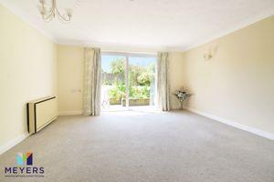 4 Willowborne Garden Winfrith Newburgh