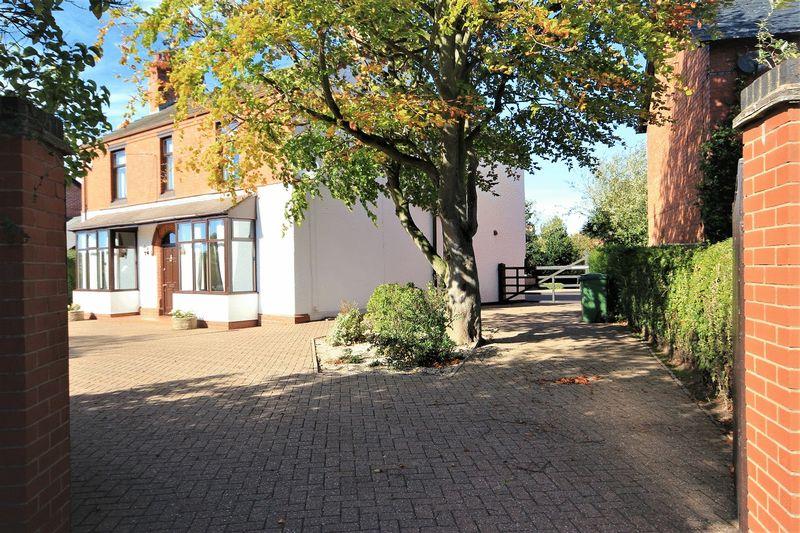 155 Wrexham Road