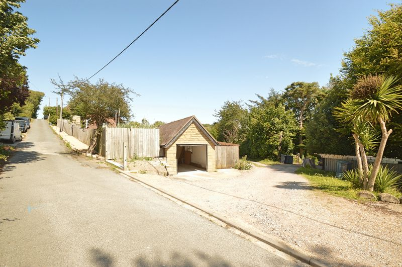 Ash Grove Luccombe