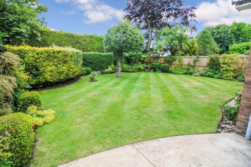 Hillhouse Gardens