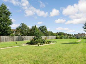 Mayfield Gardens Baston