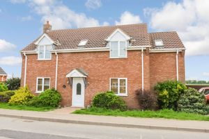 Six House Bank West Pinchbeck