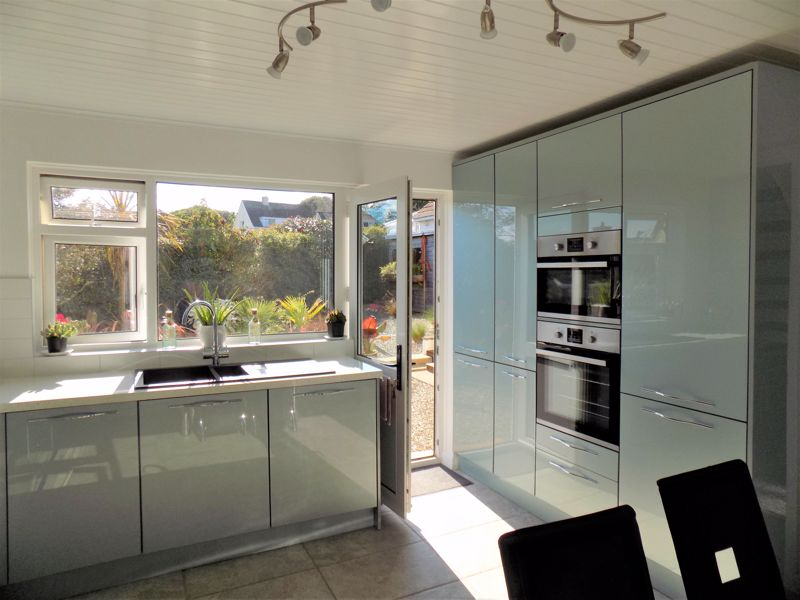 Fitted Appliances in the Kitchen
