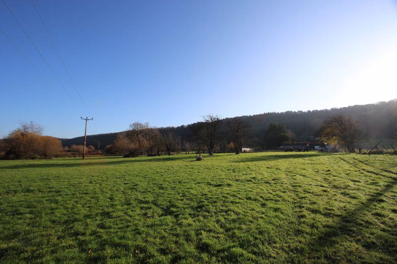 Nortons Wood Lane