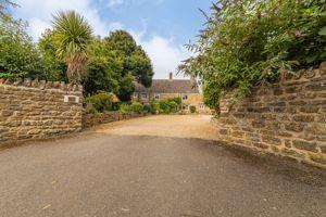 Rose Garden Farmhouse 26 Banbury Lane