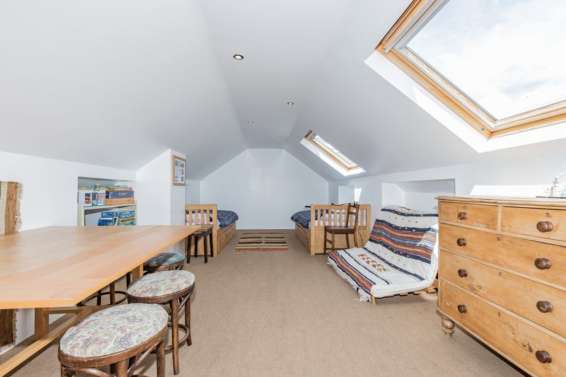 Loft Room  (via ladder)