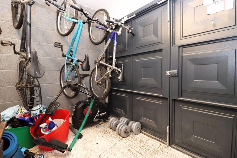 Half Garage
