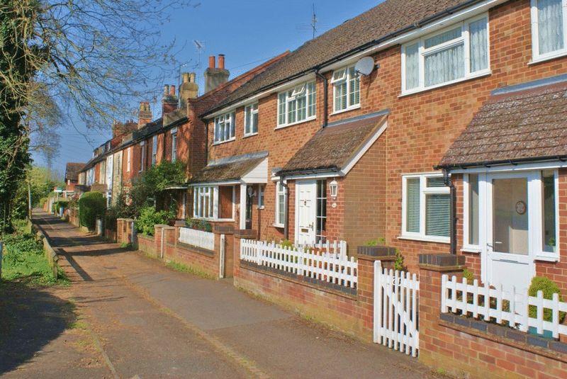 Grove Cottages Emmer Green