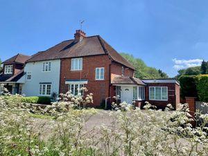 Holt Cottages Hare Hatch