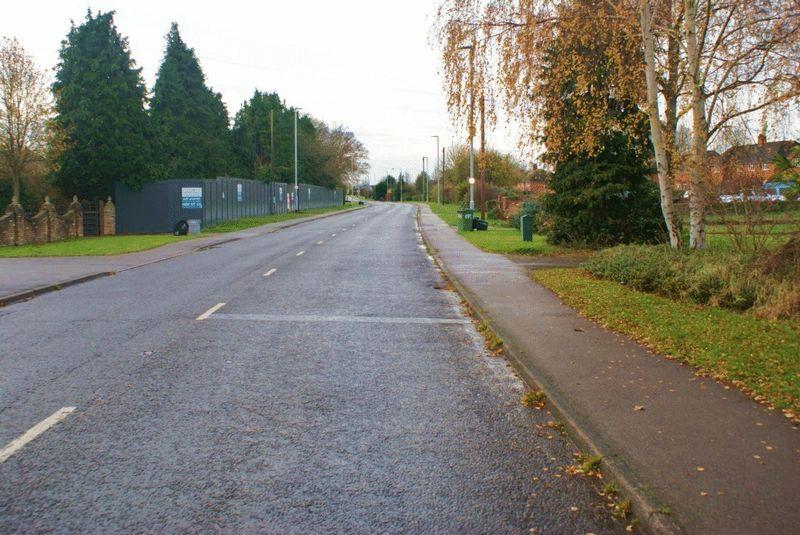 London Road Ruscombe