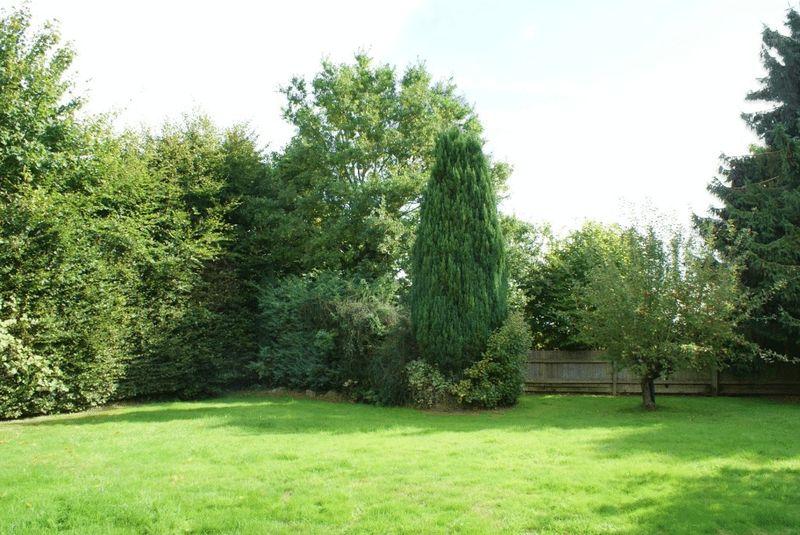 Bath Road Kiln Green