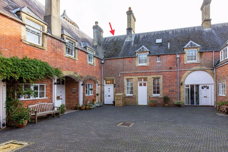 The Courtyard Idsworth