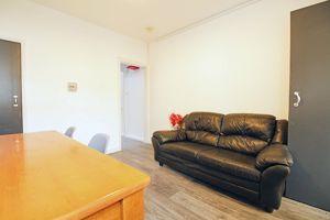 Cromwell Street - Room 1