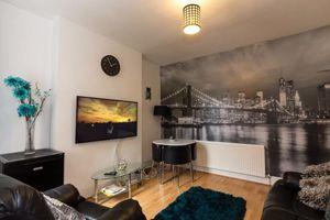 Collington Street - Room