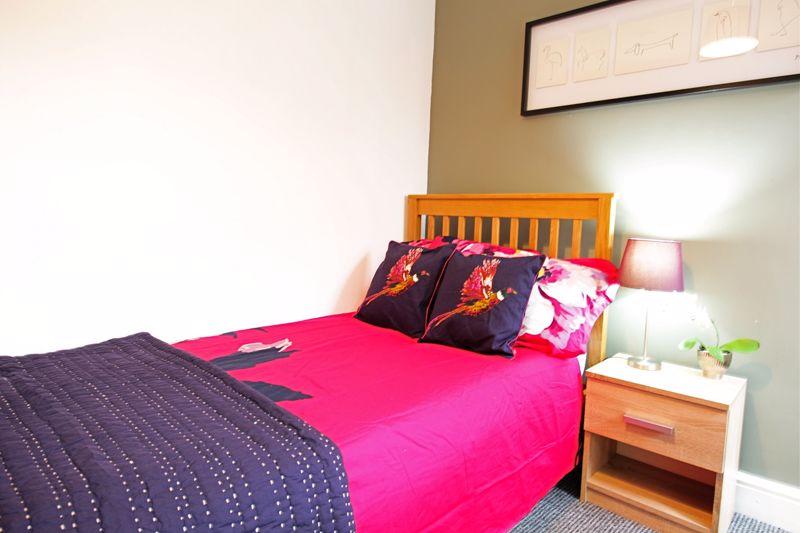 Albert Terrace - Room 2
