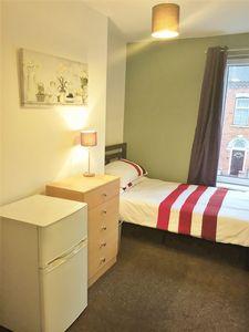 Avondale Street - Room 2